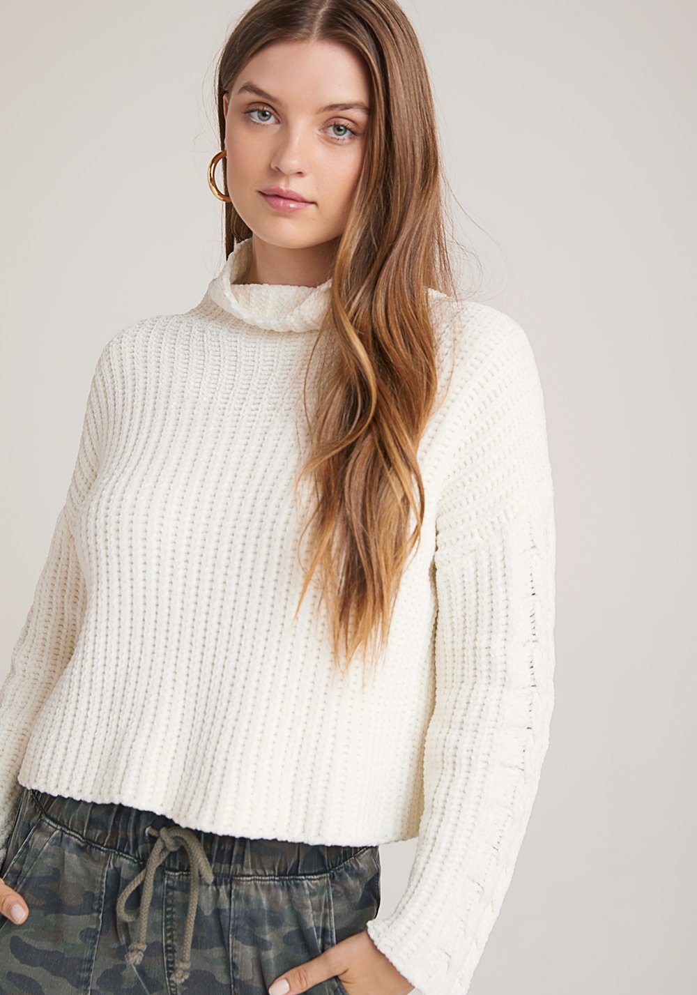 Cable Sleeve Turtle Neck – Winter White
